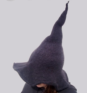 Knitted witch hat pattern by Kathy Scott