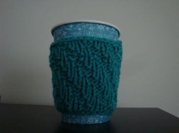 Leaning Rib Coffee Cozy by Sarah Bulin (25-50 yds)